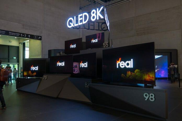 Samsung Q950R 8K Fernseher