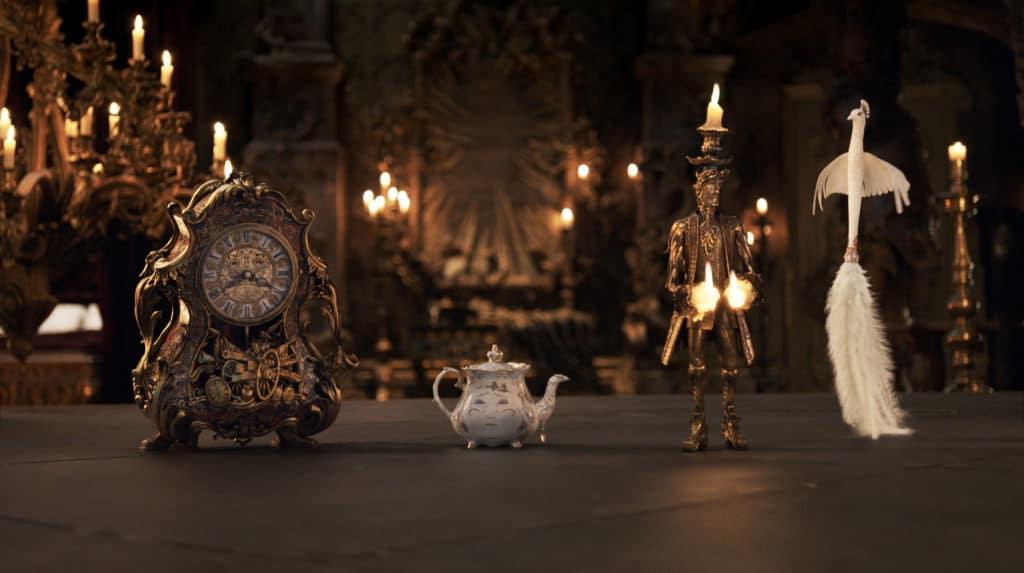 Das wunderschöne Set und die Kleider werden durch klasse animierte CGI-Charaktere erweitert