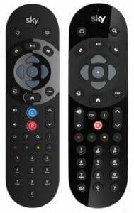 Die neue und alte Sky Sprachfernbedienung im Vergleich. Der Button für den Sprachassist wurde noch prominenter platziert