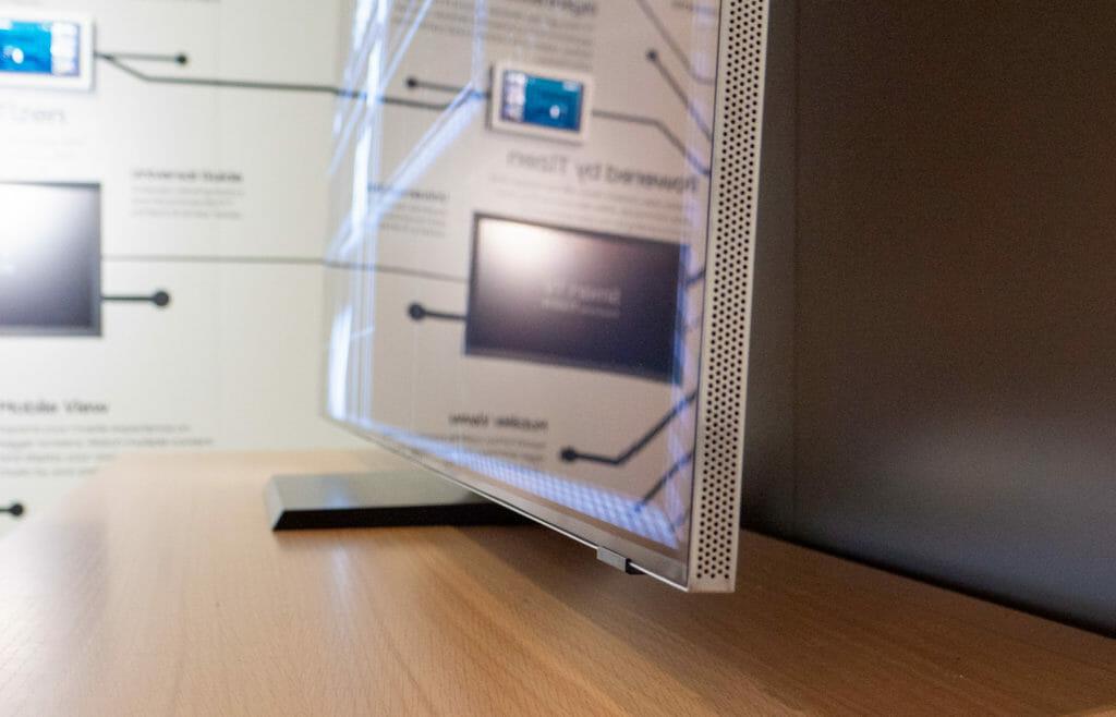 Q950TS Infinity Design Rahmen Samsung