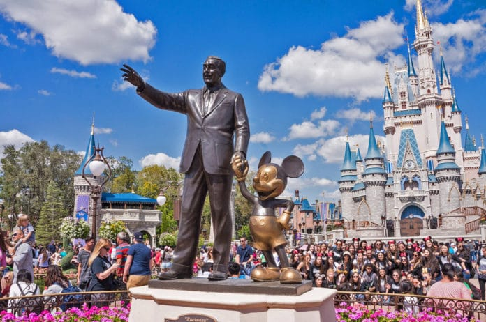 Disney 100.000 Mitarbeiter ohne Lohn