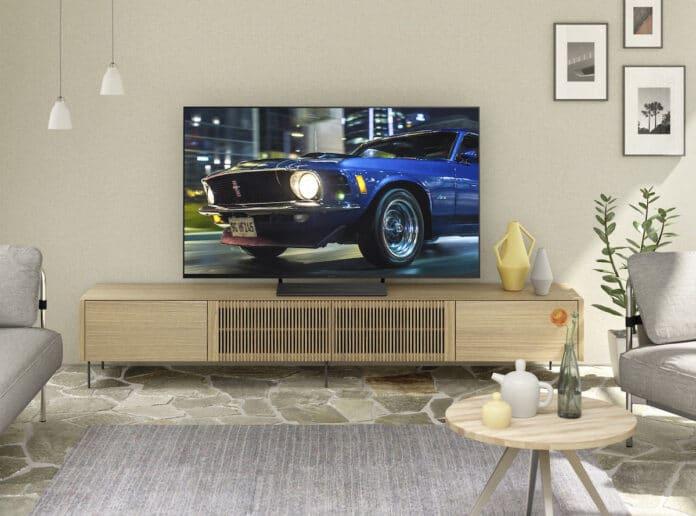 Panasonic-TV-HXW804