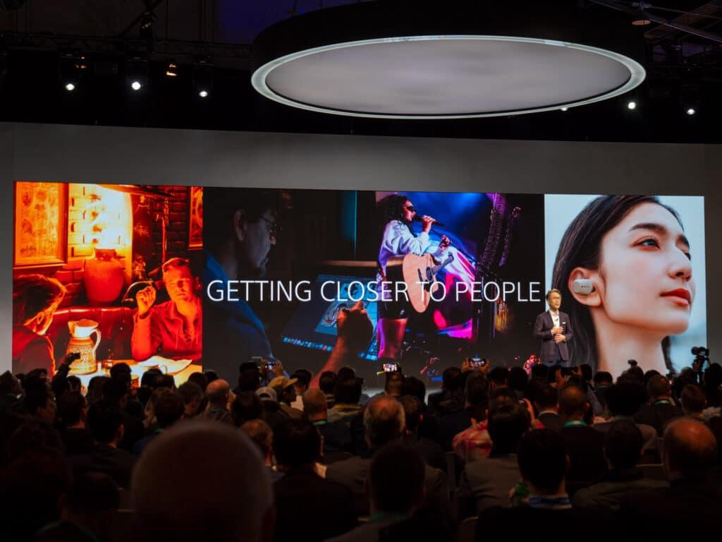 Auf der CES drängen sich Fachpresse und Händler dicht an dicht wie hier auf der Pressekonferenz von Sony (CES 2020)