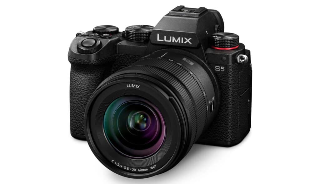 Panasonic Lumix S5 mit Objektiv