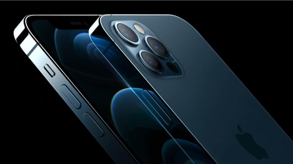Die iPhone 12 Pro Modelle mit einem 6.1 oder 6.7 Zoll (Max) OLED-Display und drei 12MP Kameras (Wide/UltraWide/Telephoto) und einem fortschrittlichen LiDAR Scanner