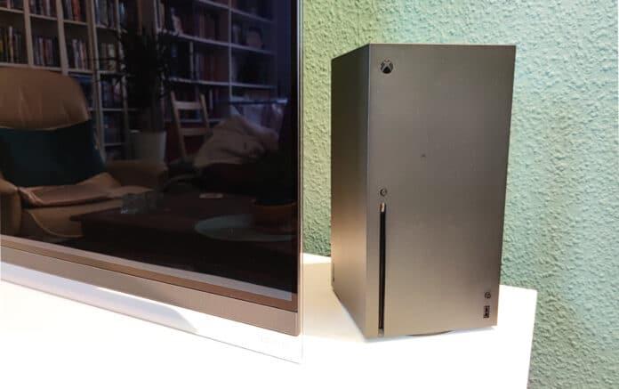 Die Xbox Series X wirkt im Wohnzimmer im Grunde wie ein Mini-PC.
