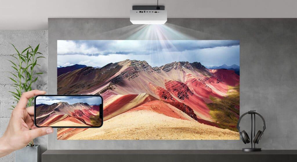Die CineBeam 810P-Serie ist mit webOS 5.0, Bluetooth, Apple Airplay und weiteren Komfortfunktionen ausgestattet