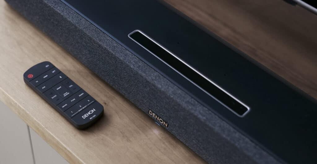 Die Denon Home Sound Bar 550 ist zu HEOS kompatibel.