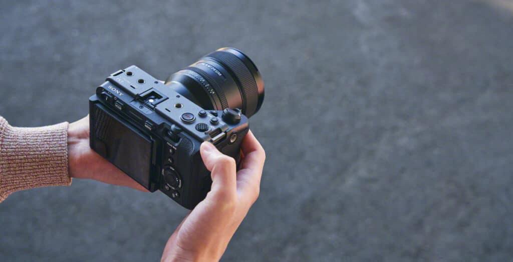 Die Sony FX3 kostet in Deutschland 4.699 Euro.