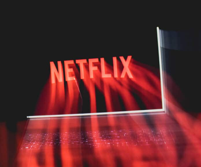Netflix hat im April 2021 wieder neue Filme, Serien und mehr im Angebot