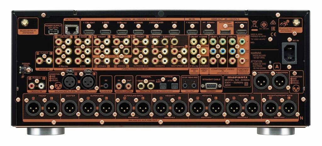 Die Anschlüsse des AV8805A AV-Vorverstärkers