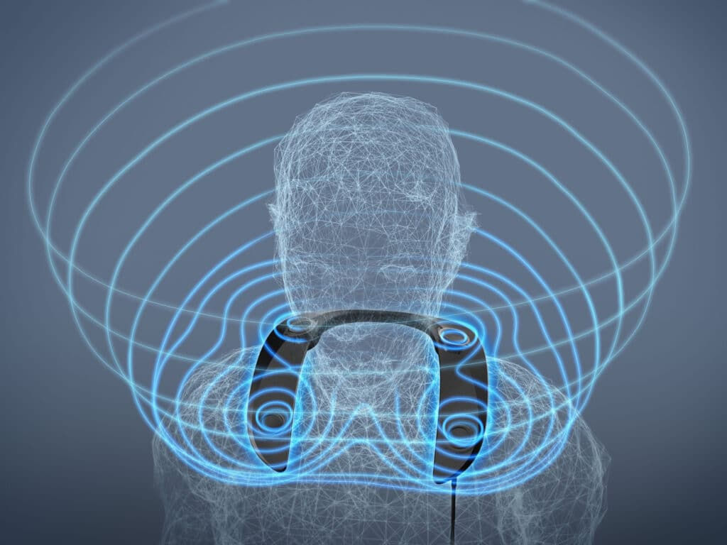Vier Lautsprecher-Treiber sorgen für ein mitnehmendes Surround-Erlebnis, auch für Stereo-Signalquellen
