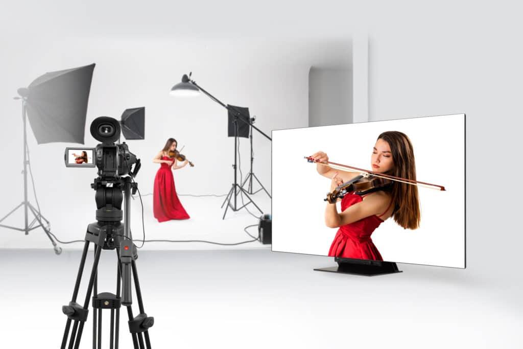 LG visiert mit demUltraFine OLED Pro 65EP5G Filmemacher an.