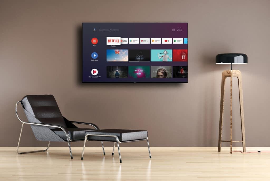 Der Nokia 4K Smart TV mit QLED-Display (6500D) in einem Lifestyle-Szenario