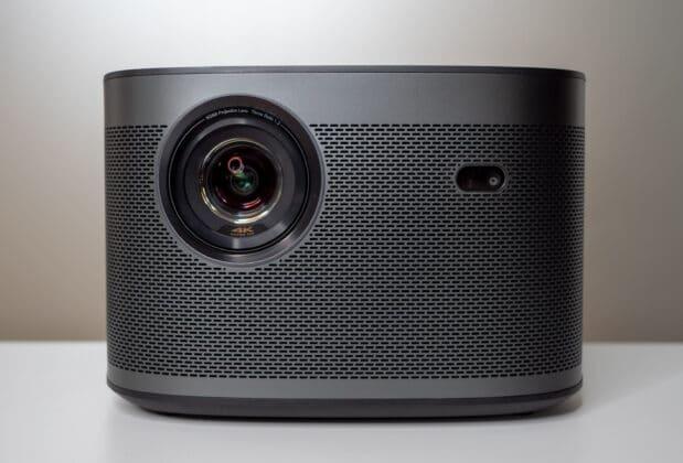 Der Xgimi Horizon Pro in der Frontansicht