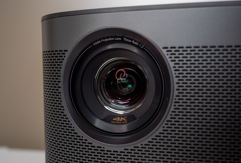 Optik / Linse des Horizon Pro 4K Projektors