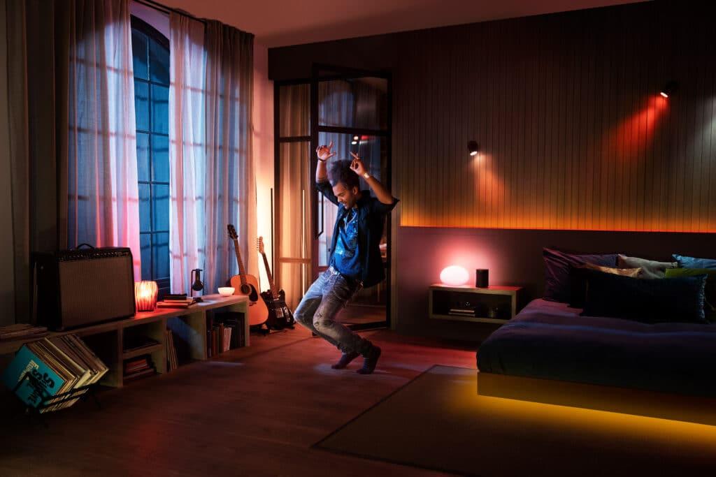 Verwandelt euer Schlaf-/Wohnzimmer in eine Disc mit Philips Hue + Spotify