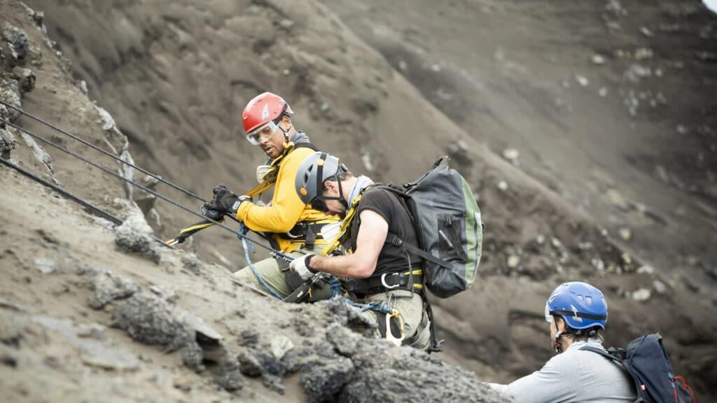 Schauspieler Will Smith erklimmt mit Vulkanologen Jeff Johnson einen aktiven Vulkan