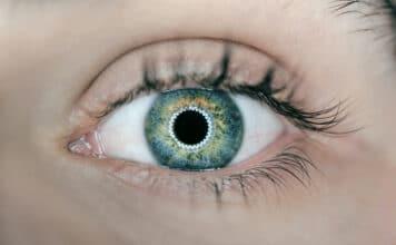 Das blaue Licht von Bildschirmen schade den Augen laut Ärzten nicht.